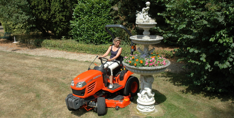 compact tractors kubota bx231 kubota europe sas. Black Bedroom Furniture Sets. Home Design Ideas